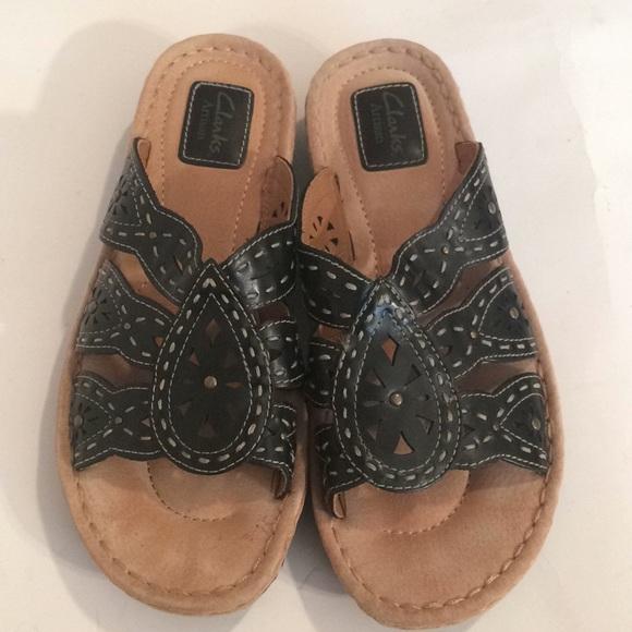 42764d0de782 Clarks Shoes -  13 Clarks artisan women s sandals size 9